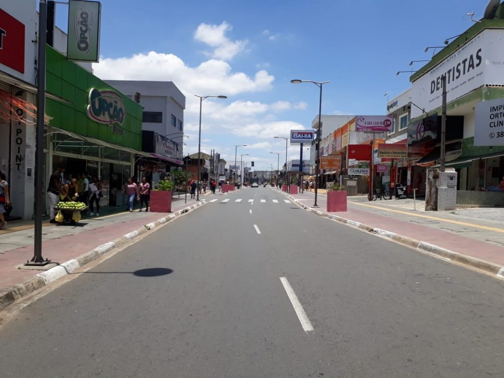 4b2a6d09ba41c Durante período de natal será permitido estacionar na Luiz Camilo ...